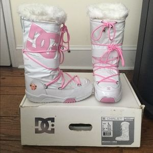 DC White and Pink Women's Snow boots 🎀✨